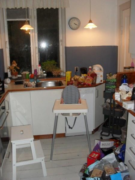 Køkken før oprydning